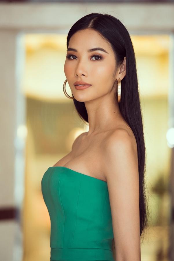 A hau Hoang Thuy (29)