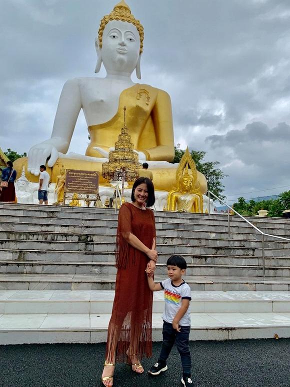 Ngọc Lan và con trai Louis 'đánh lẻ' du lịch Thái Lan6
