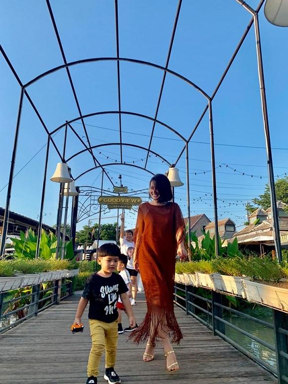Ngọc Lan và con trai Louis 'đánh lẻ' du lịch Thái Lan9