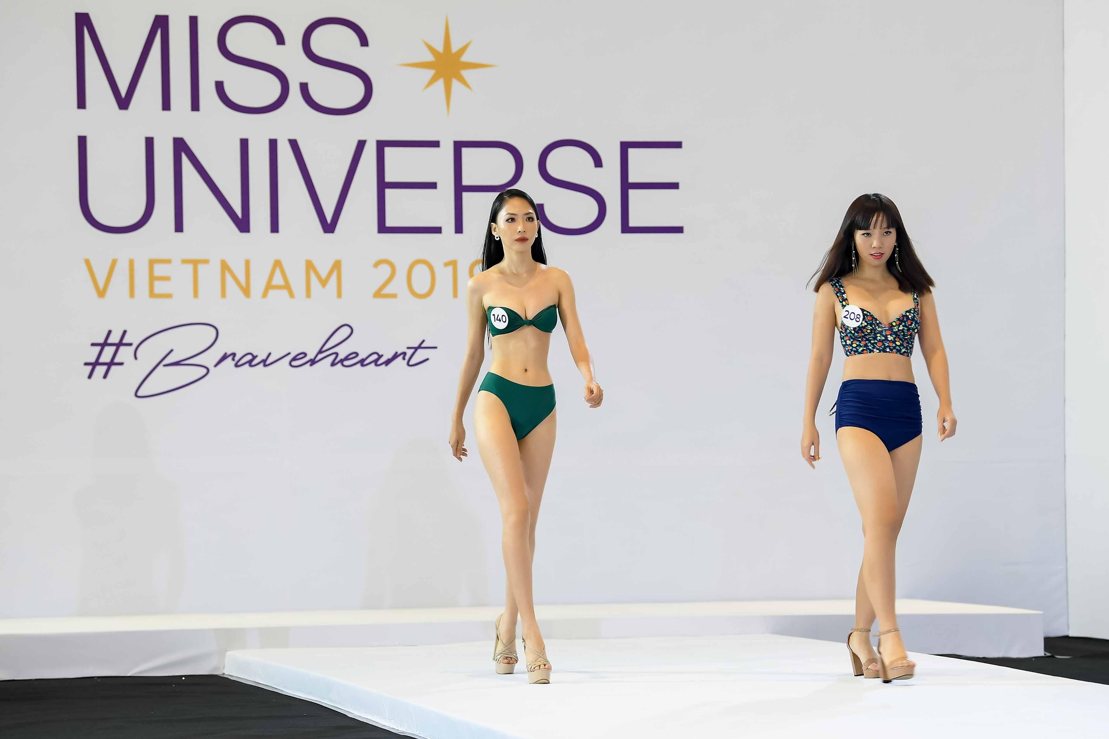 Phan thi trinh dien bikini (15)