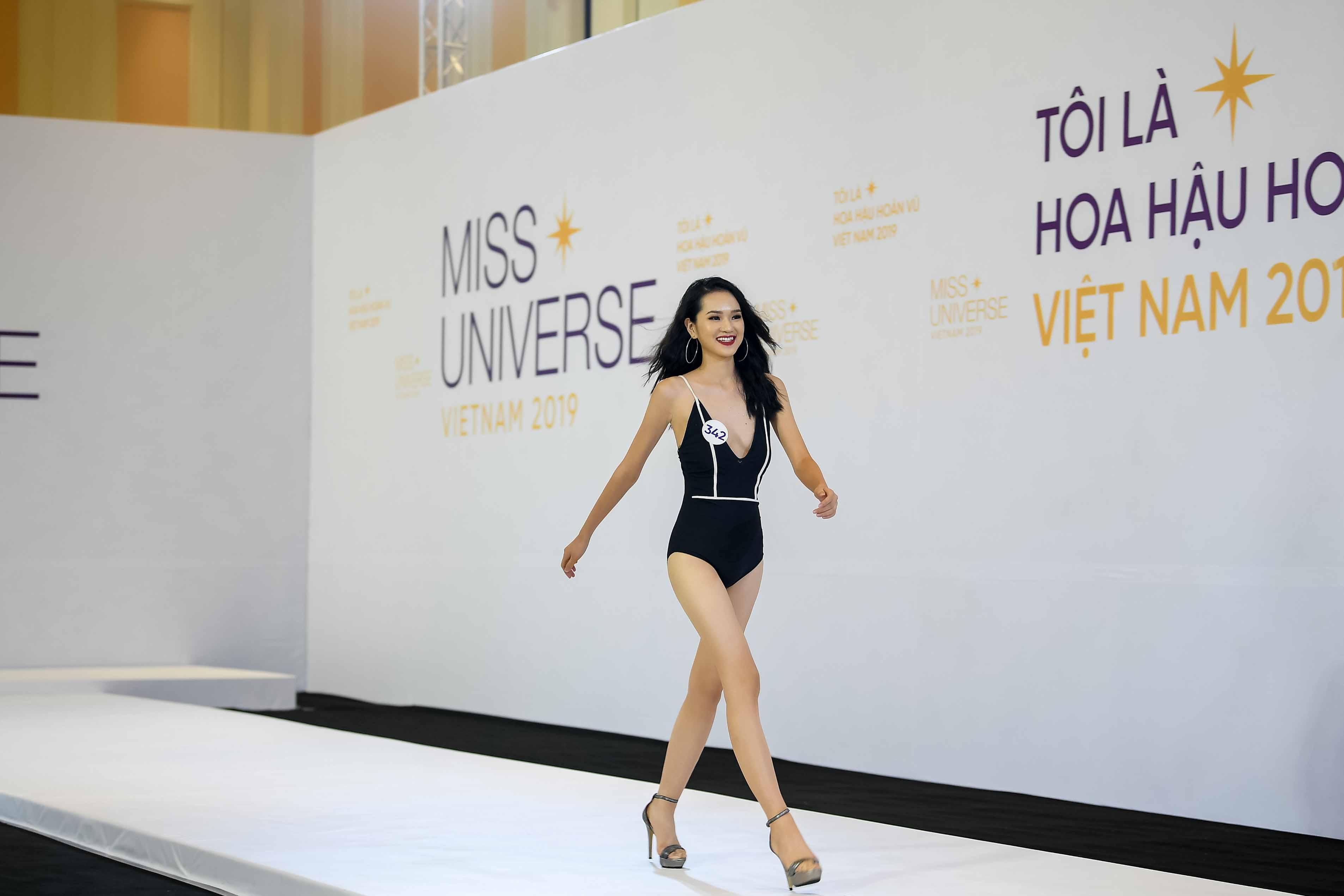Phan thi trinh dien bikini (6)