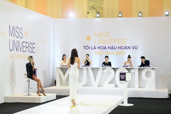 Tap 1 Toi la Hoa hau Hoan vu Viet Nam 2019 (44)