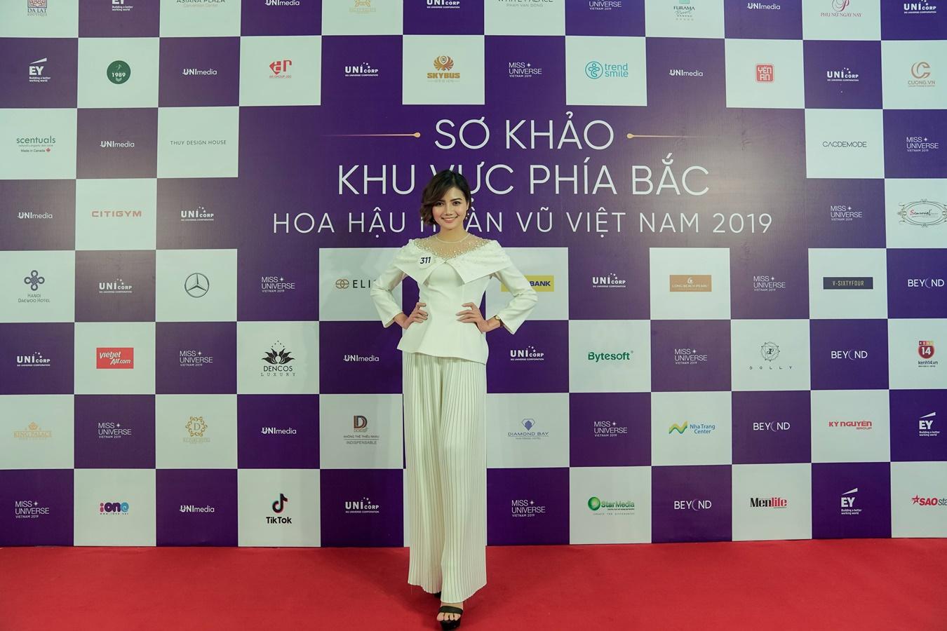 Thi sinh Hoa hau Hoan vu Viet Nam 2019 chup hinh o Backdrop (65)