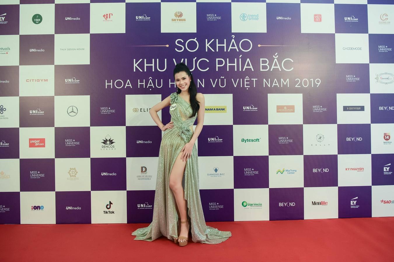 Thi sinh Hoa hau Hoan vu Viet Nam 2019 chup hinh o Backdrop (86)
