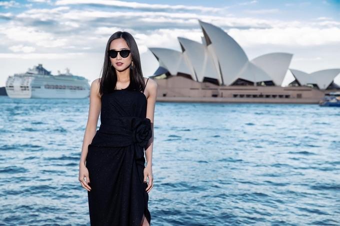 Dương Mỹ Linh xuất hiện tại show thời trang của NTK Đỗ Mạnh Cường tại Sydney, Australia hồi tháng 5.