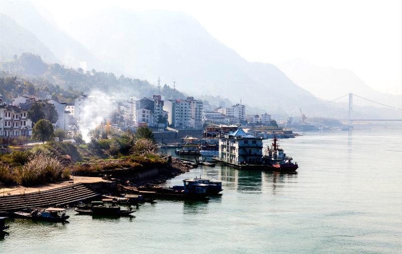 Thiếu nước ở lưu vực sông Dương Tử là hệ lụy của việc quá tập trung vào phát triển. (Ảnh: Alamy).