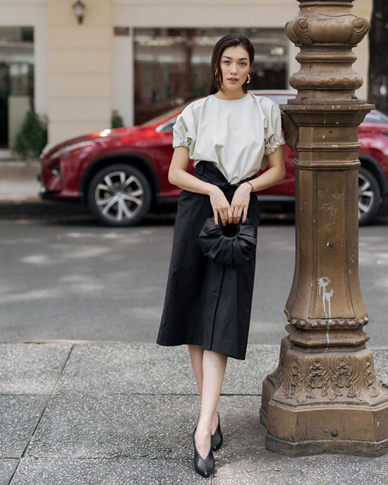 17. Sao Việt phối sắc đen cho street style4