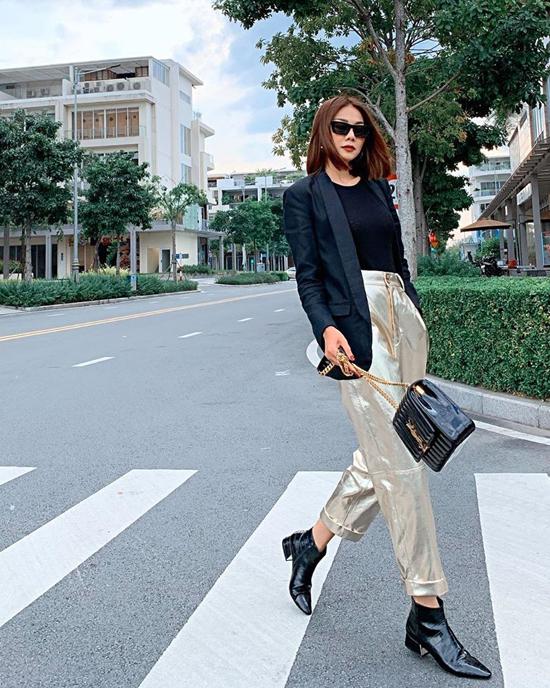 17. Sao Việt phối sắc đen cho street style5
