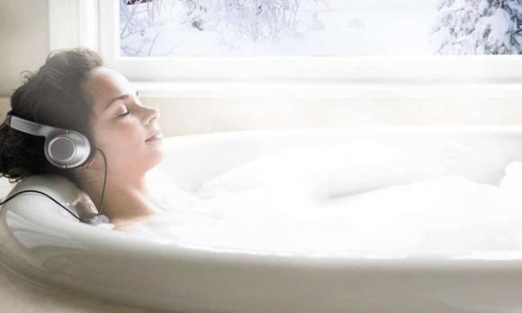 2. Giảm cân bằng cách tắm nước nóng tương đương với 20 phút đi bộ1