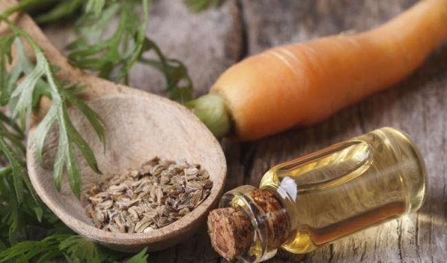 3. 5 tinh dầu giúp làm dịu và tái tạo làn da