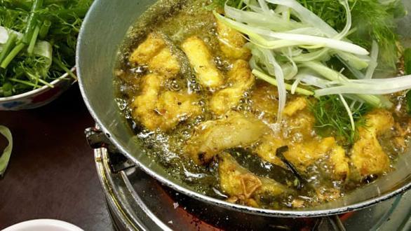 Món chả cá đặc trưng của Hà Nội - Ảnh: CNN