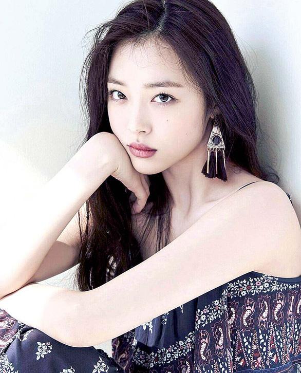 Sulli từng nói cô kiệt sức vì áp lực sống nhưng không ai lắng nghe - Ảnh: KOREA TIMES