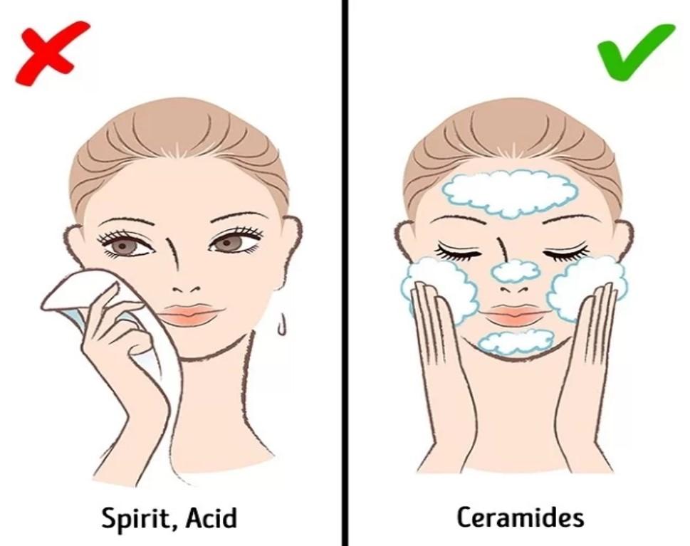 Làm sạch da kỹ lưỡng Các chuyên gia da liễu đều có chung quan điểm về tầm quan trọng của việc làm sạch. Nếu không làm sạch da kỹ lưỡng, mọi bước chăm sóc sau đó đều vô ích. Dù không trang điểm bạn cũng nên sử dụng dầu tẩy trang mỗi ngày để làm sạch bụi bẩn, vi khuẩn và dầu thừa trên da. Sau đó, dùng sữa rửa mặt phù hợp đặc tính da để làm sạch thêm một lần nữa. Tẩy tế bào chết cho da mặt 1 - 2 lần mỗi tuần để làm sạch sâu, kích thích tăng sinh tế bào da mới.