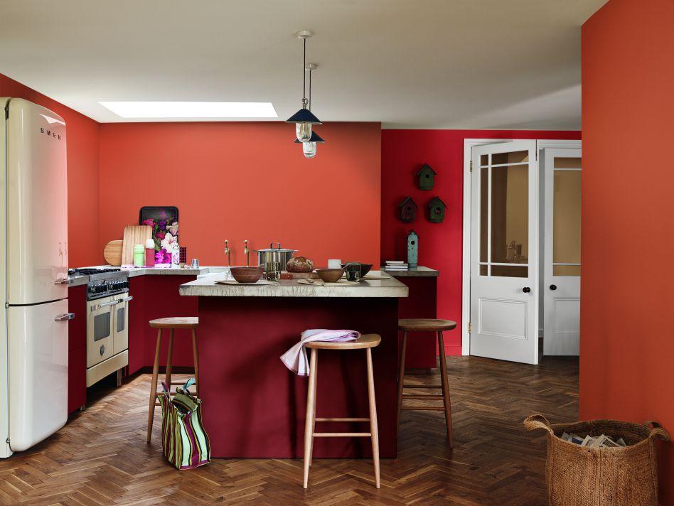 Căn bếp nhỏ tông màu đỏ – cam giúp mẹ luôn cảm thấy ấm áp, tươi vui