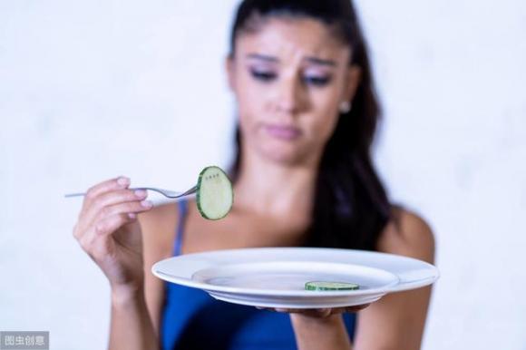 Ăn kiêng giảm cân có khả thi? (Ảnh minh họa)