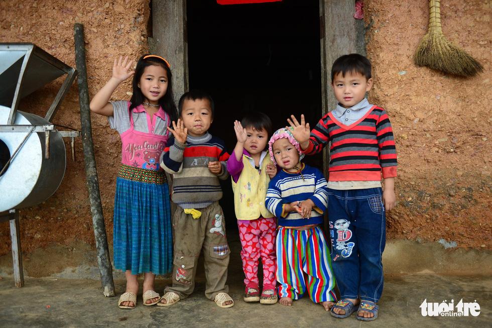 Trẻ em ở Quản Bạ - Ảnh: QUANG ĐỊNH