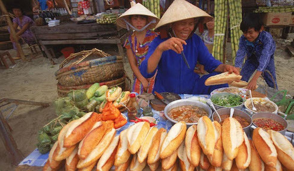 Một hàng bánh mì đậm chất Việt Nam - Ảnh: SCMP
