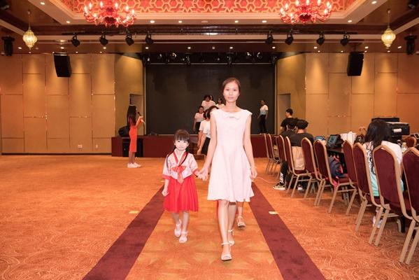 Chuan bi tap luyen cho Fashion Show (20)