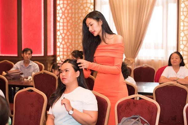 Chuan bi tap luyen cho Fashion Show (6)