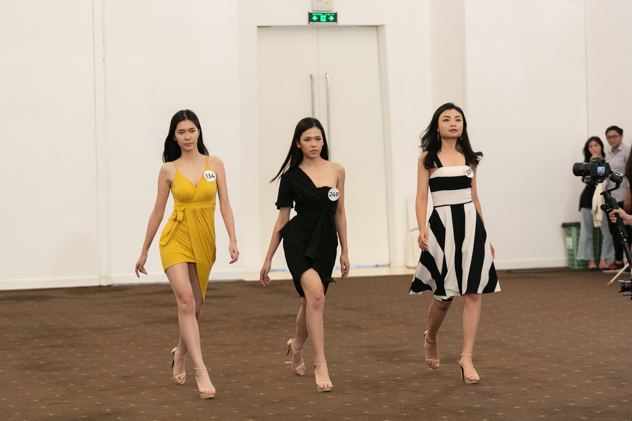 Hau truong Casting Fashion Show_top 60 Hoa hau Hoan Vu Viet Nam 2019 (84)