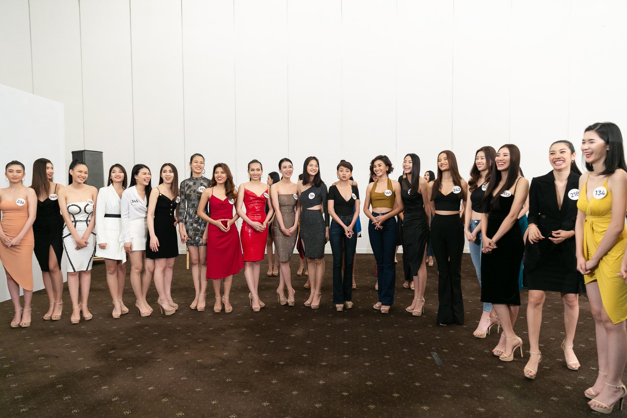Hau truong Casting Fashion Show_top 60 Hoa hau Hoan Vu Viet Nam 2019 (9)