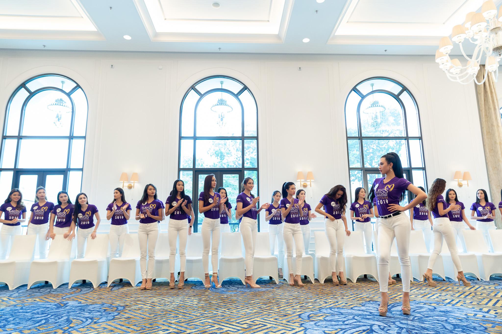 Huan luyen catwalk_Tap 2 Toi La Hoa Hau Hoan Vu Viet Nam 2019 (63)