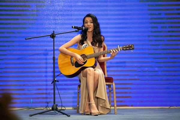 Phan thi Nguoi Dep Tai Nang 15.10 (47)