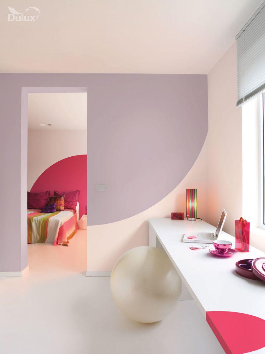 Những vật trang trí có màu sắc nổi bật sẽ tạo nên điểm nhấn ấn tượng cho mọi không gian.