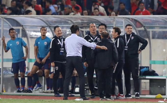 Trả lời giới truyền thông sau trận, ông Park tiết lộ ông phản ứng như vậy vì trong trận vị trợ lý của tuyển Thái Lan cười mỉa, trêu ngươi ông. Đây dường như là một chiêu tâm lý chiến của đội Thái Lan và Park tuyên bố ông sẵn sàng nếu cần 'chiến đấu'.