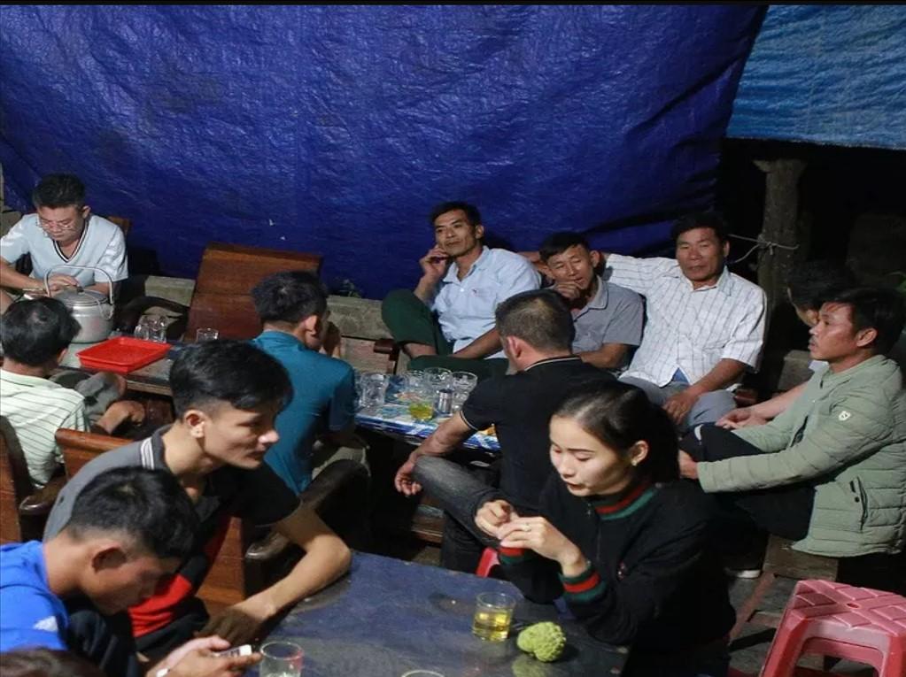 Các gia đình ở Nghệ An rất mong đưa thi thể người thân về quê mai táng.