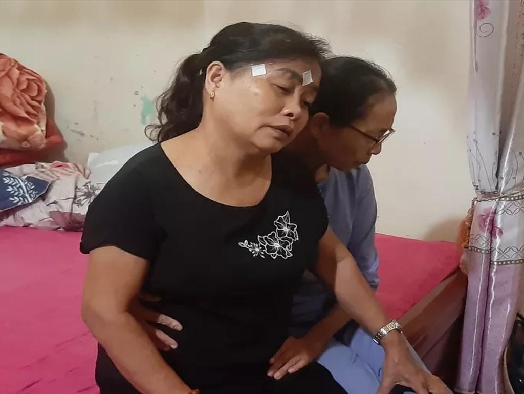 Người thân các gia đình ở Hà Tĩnh đang chờ đợi đưa thi thể người thân về lo thủ tục mai táng.