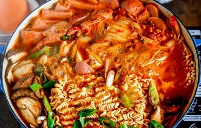 2. 8 món ăn lý tưởng khi trời Sài Gòn trở gió3