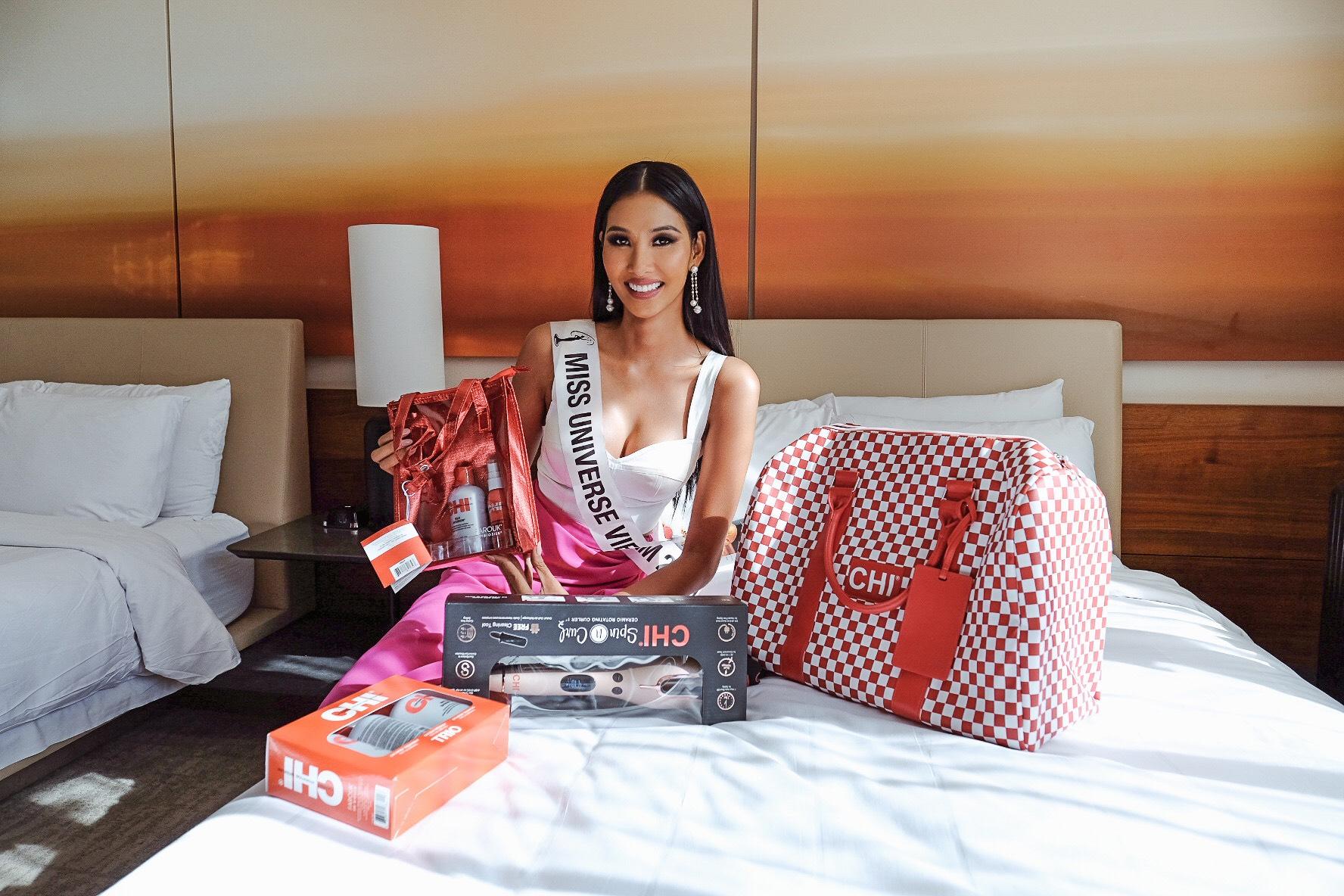 21. Hoàng Thùy chính thức nhập cuộc cùng các thí sinh tại Miss Universe2