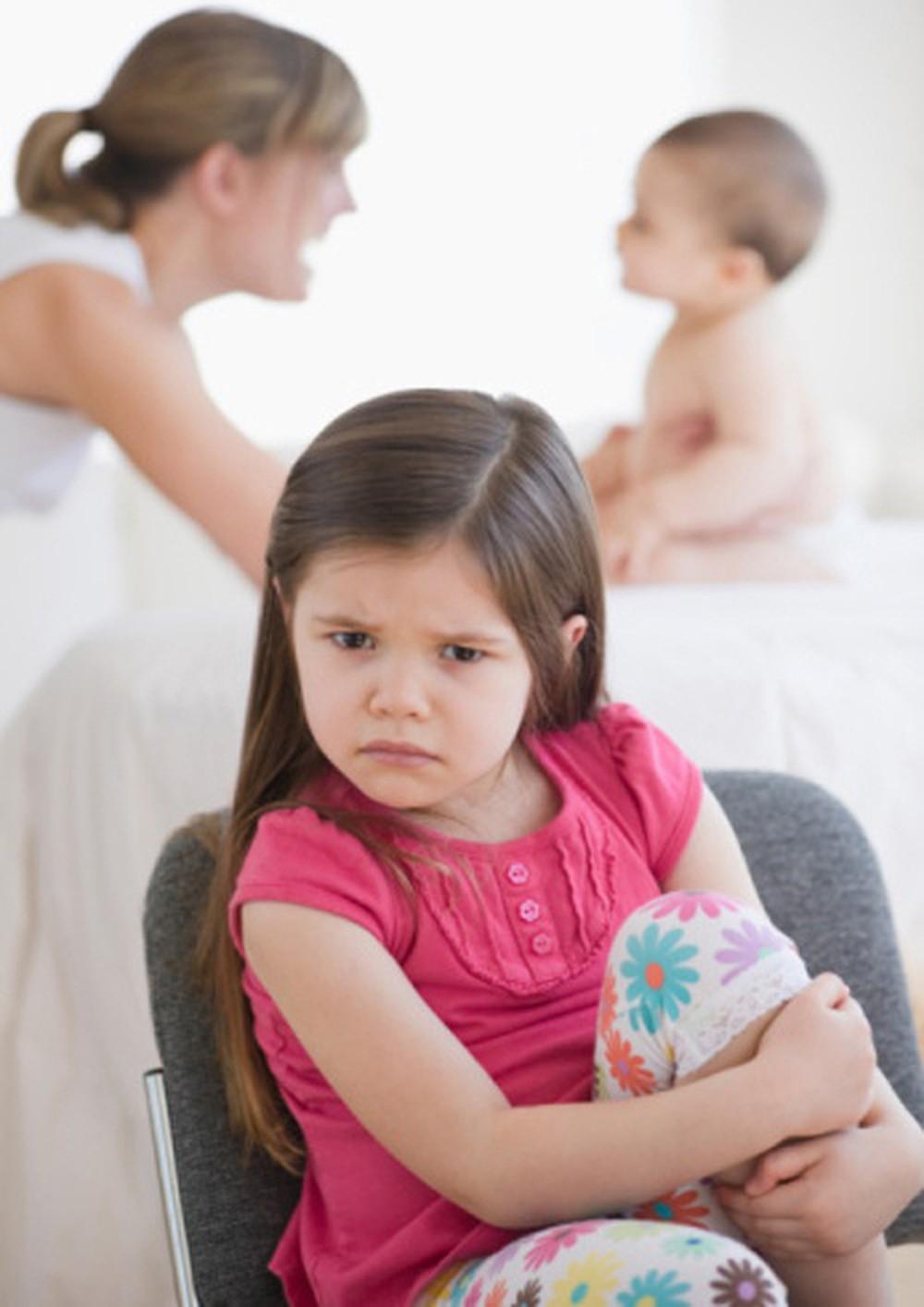3. Khi trẻ có em