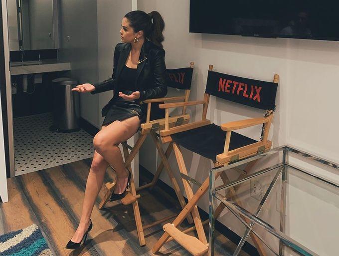 Để lấy lại vóc dáng sau khoảng thời gian phát tướng vào năm 2016, Selena Gomez từng đến phòng gym cả 7 ngày trong tuần. Bên cạnh đó cô cũng áp dụng quy tắc nhịn ăn gián đoạn. Sau 21h, Selena sẽ không ăn gì cho đến 13h ngày hôm sau.
