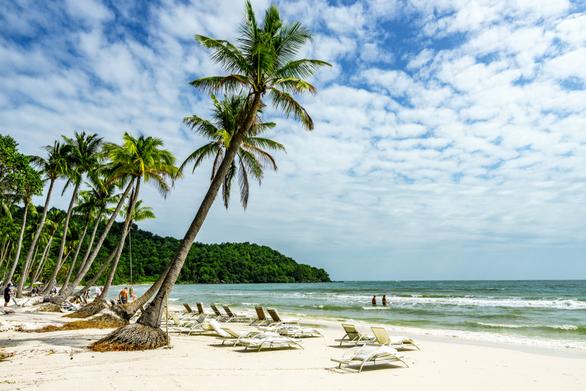 Tận hưởng kỳ nghỉ xuân trên đảo ngọc Phú Quốc thanh bình - Ảnh: Shutterstock
