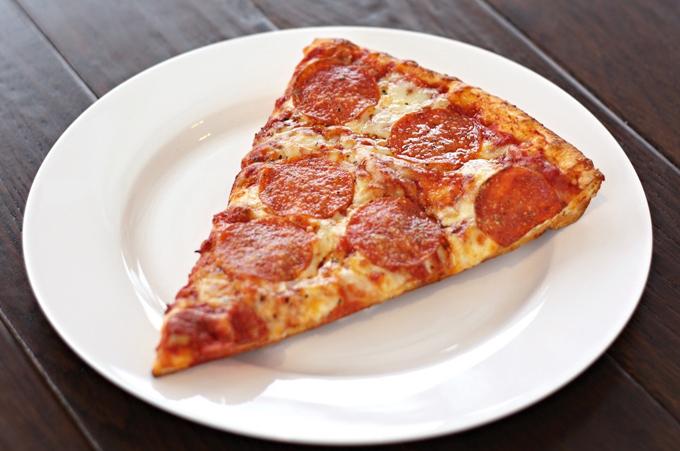 6. Vì sao pizza hình tròn, hộp vuông và cắt tam giác2