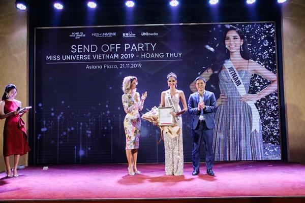 Hop bao Cong bo Hoang Thuy la dai dien Viet Nam tai Miss Universe 2019_21.11.2019_Miss Universe Vietnam (50)