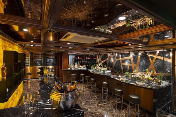 The Reverie Saigon - R&J Italian Lounge & Restaurant 03
