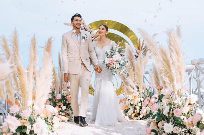3. Váy cưới dành cho hôn lễ ở biển4
