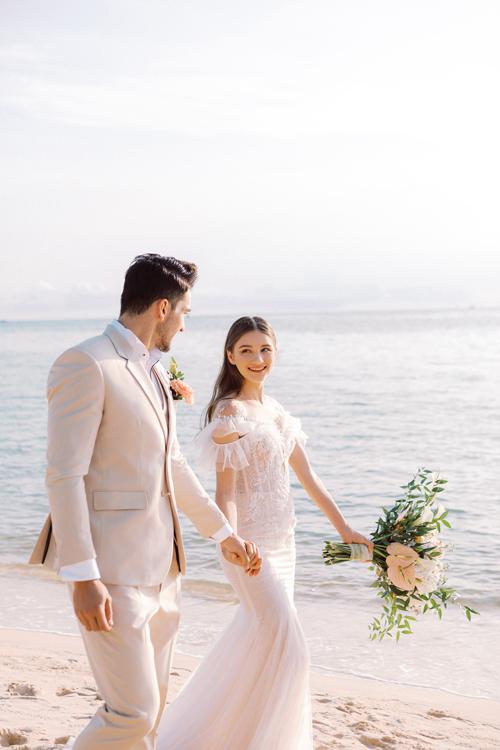 3. Váy cưới dành cho hôn lễ ở biển8