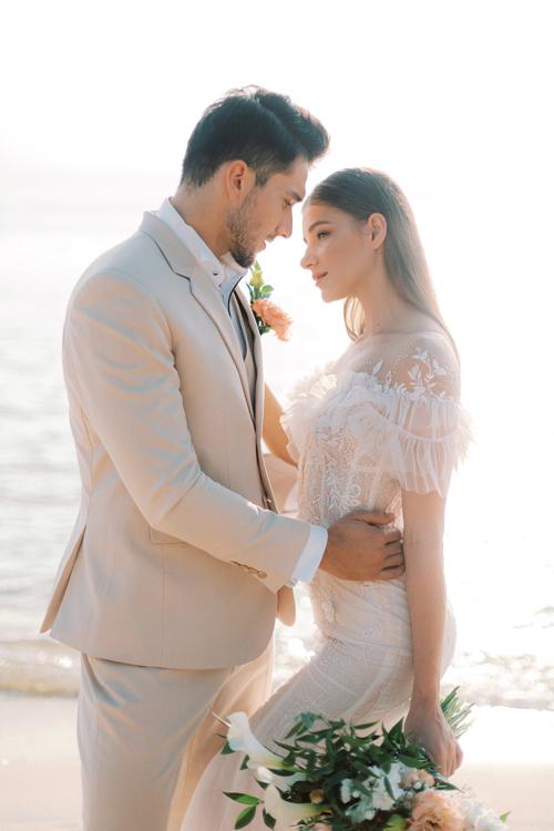 3. Váy cưới dành cho hôn lễ ở biển9
