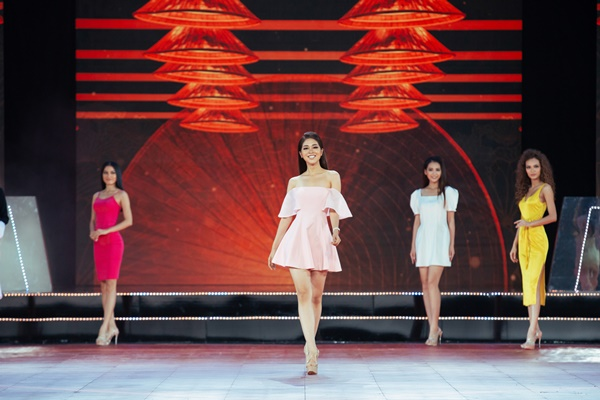 Hau truong tap luyen chuan bi Ban ket Hoa hau Hoan vu Viet Nam 2019 (14)