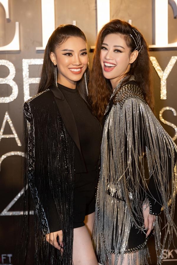 Hoa Hau Khanh Van va A Hau Kim Duyen_Elle Style Awards  (5)