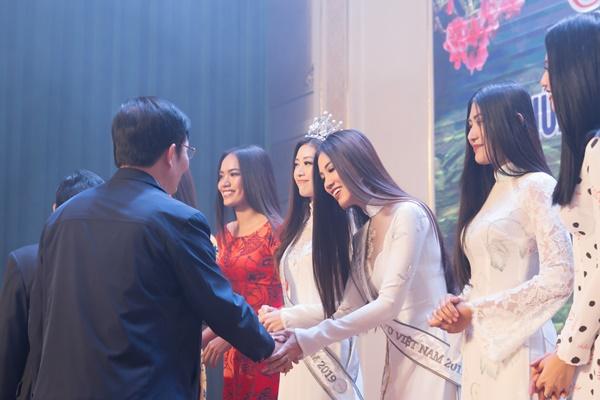 Hoa hau Hoan vu Viet Nam 2019_Giao luu doanh nghiep tinh Lai Chau_Photo Sang Dao (61)