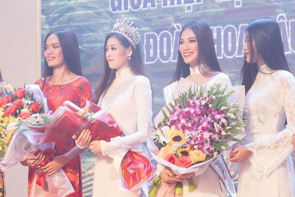 Hoa hau Hoan vu Viet Nam 2019_Giao luu doanh nghiep tinh Lai Chau_Photo Sang Dao (63)