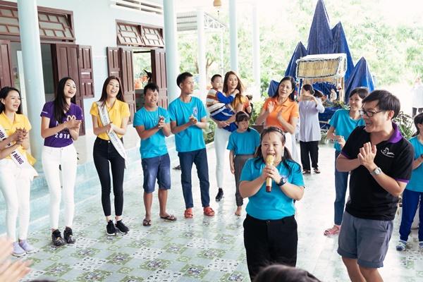 Hoa hau Khanh Van den tham Mai am hy vong_Hoa hau Hoan vu Viet Nam 2019 (15)