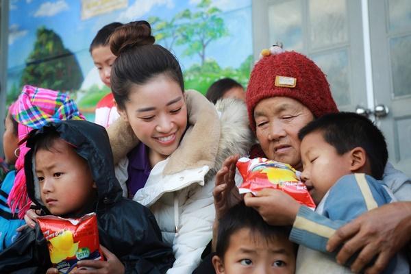 Thu thien Lai Chau_Hoa hau Hoan vu Viet Nam_Photo Quy Coc Tu (3)