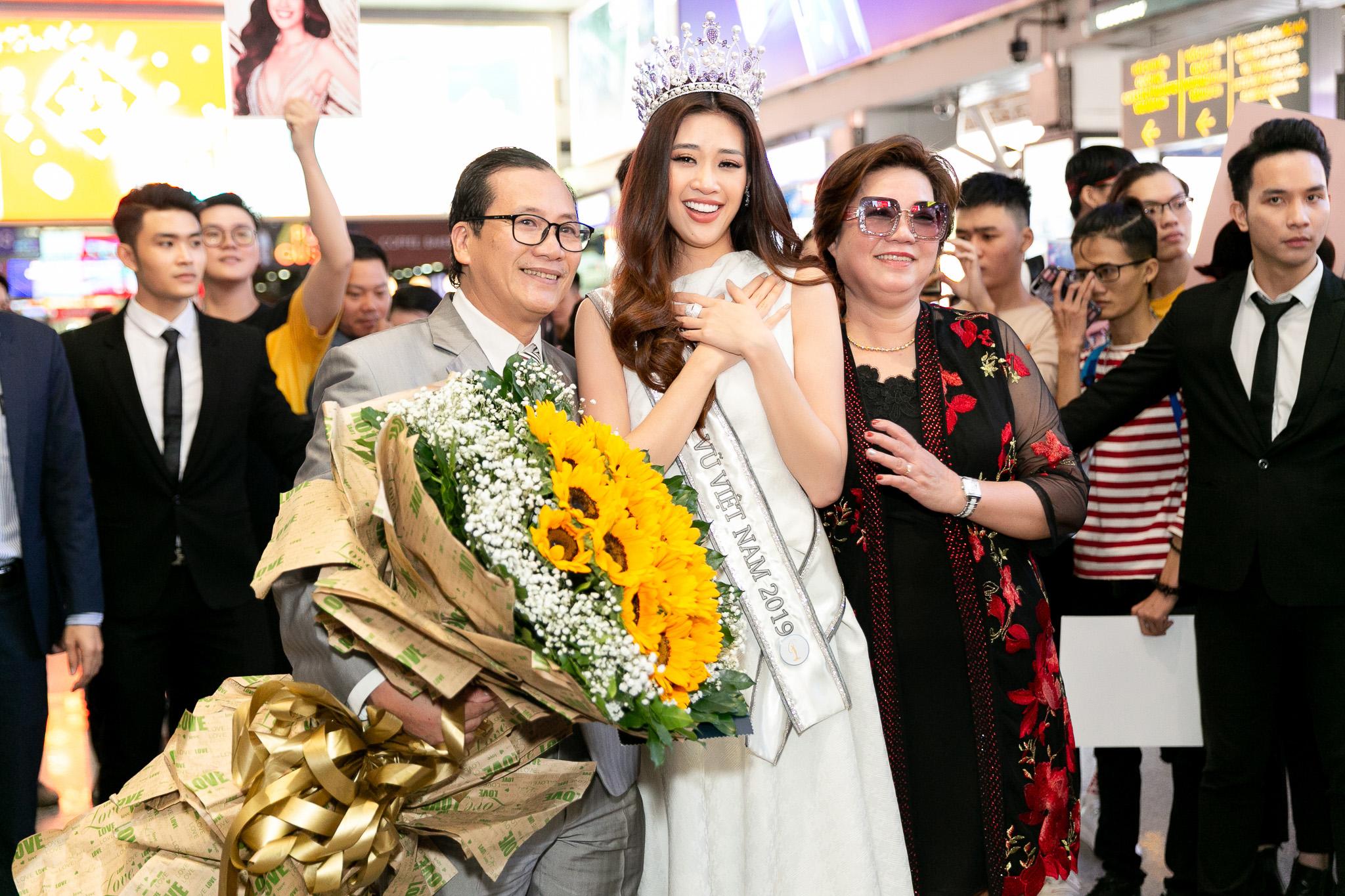 Top 3 Hoa hau Hoan vu Viet Nam 2019 tro ve TPHCM (21)