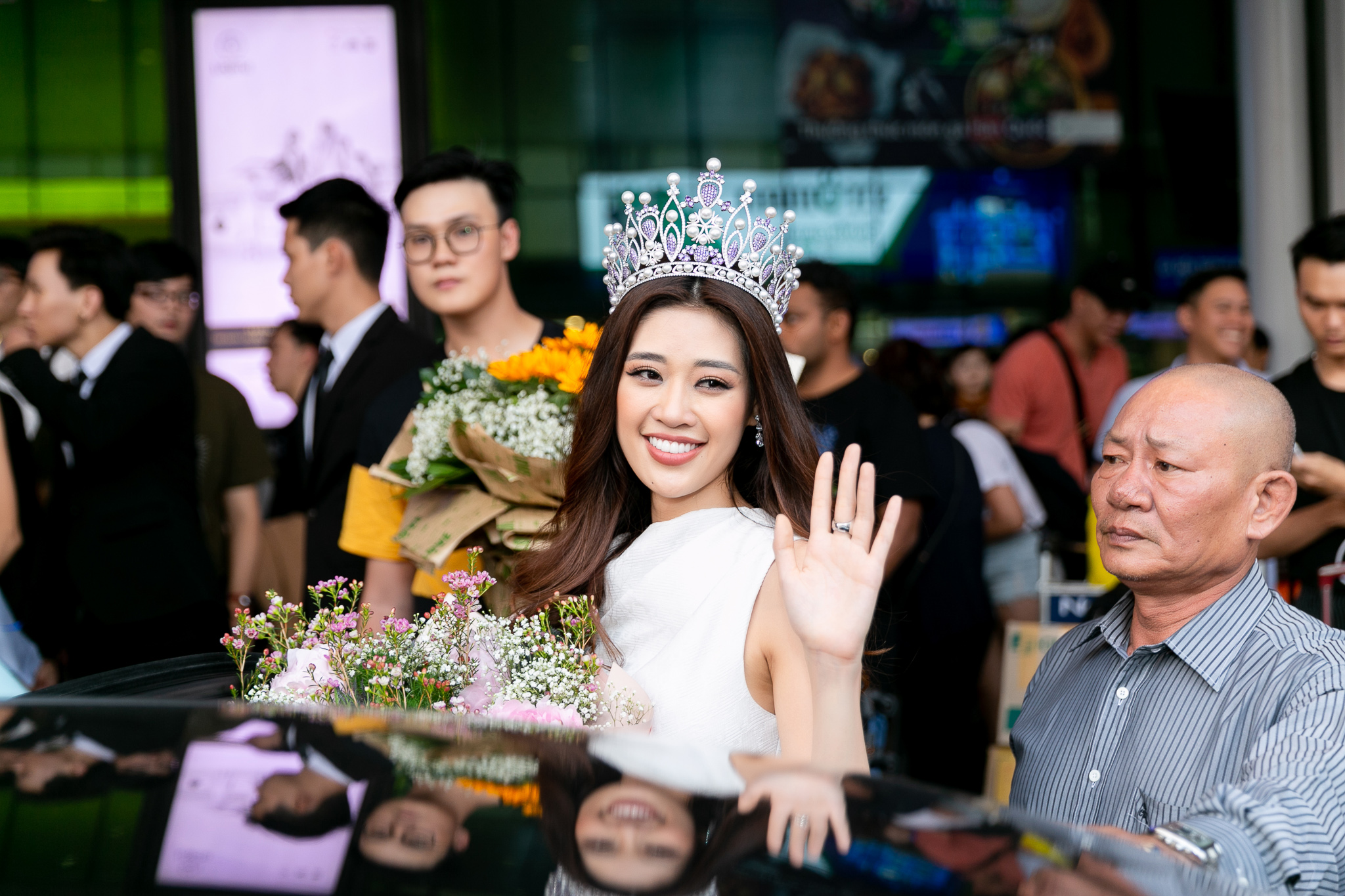 Top 3 Hoa hau Hoan vu Viet Nam 2019 tro ve TPHCM (30)